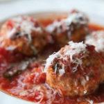Kluseczki serowe w sosie pomidorowym