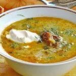 Zupa jarzynowa z serowymi kluskami